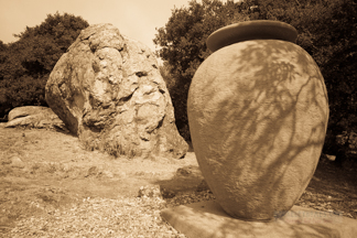 Thousand Oaks Urn - Great Stone Face Park